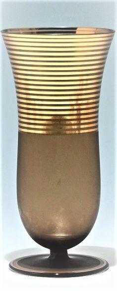 Art Deco Vase - Podbira in Haida circa 1940 Mouthblown brown smoke glass. Brothers Podbira in Haida circa Czech Glass, Artist At Work, Art Deco, Vase, Smoke, Brown, Brown Colors, Vases, Smoking