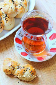 Alltägliche und wunderbare Gerichte aus meiner türkischen Küche. Lass und was süßes essen und in süßen Geschpräche schwelgen.