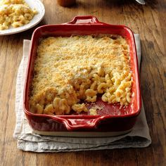 This creamy, bubbly, indulgent classic is down-home comfort food at its finest. The topping is made with panko bread crumbs for an extra bit of crunch. —Nicole Duffy, New Haven, Connecticut Vegetarian Casserole, Casserole Recipes, Vegetarian Bake, Potluck Recipes, Vegetarian Recipes Dinner, Family Recipes, Dinner Recipes, Baked Macaroni Cheese, Mac Cheese