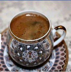 mugs ᵃᶰᵈ cups ᵃᶰᵈ pots