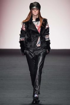 Daks Fall 2015 Ready-to-Wear Collection Photos - Vogue