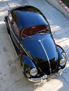 The Beetle may look the great old' Bug from several years back, but it provides an entire lot more than the original. Volkswagen New Beetle, Vw T1, Volkswagen Golf, Vw Bugs, Vw Beetles, Kdf Wagen, Automobile, Vw Classic, Vw Vintage