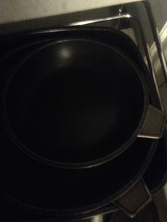 This is a frying pan. It is made of Teflon (fluorocarbon). It is a thermoplastic