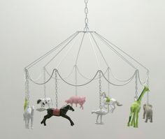 make this with crystals insted of plastic animals decorate as shabby chick. cute DIY idea: Carousel Mobile with plastic animals Diy And Crafts, Crafts For Kids, Deco Kids, Plastic Animals, Plastic Animal Crafts, Plastic Dinosaurs, Felt Animals, Idee Diy, Blog Love