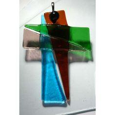 Dieses ganz besondere Kreuz (ca. 6 x 8 cm) wurde von mir in meinem Atelier entworfen und unter Verwendung genau dieser Farben zum persönlichen Glaubensbekenntnis erschaffen.    Es handelt sich um ein Unikat.
