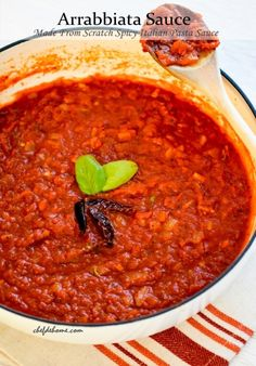 Sharing with you spicy, aromatic, and scrumptious Pasta Sauce that will make your Italian Pasta Dinner even more special! I& a big fan of tomato based pasta sauces. Arrabiata Sauce Recipes, Sauce Bolognaise, Pasta Sauce Recipes, Raos Sauce Recipe, Spicy Spaghetti Sauce Recipe, Rao's Marinara Sauce Recipe, Spicy Pasta, Sauces, Salads