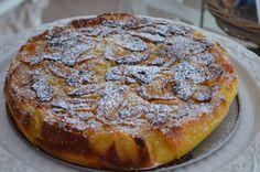 Dopo varie prove e tentativi ecco qui quella che secondo noi e' la ricetta perfetta per la torta di mele Cremosa al punto giusto...credeteci la proverete e non la lascerete mai piu'! Per la riuscita l'importante e' attenersi alla ricetta - Ricetta...