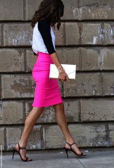 Hot pink pencil skirt x casual top.