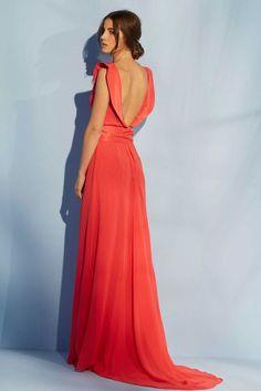 vestido de fiesta largo coral con escote en la espalda y lazo en la cintura para invitada de boda fiesta evento de apparentia