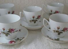#VINTAGECHODZIEZ FINE CHINA MADE IN POLAND 5 CUPS AND 5 SAUCERS