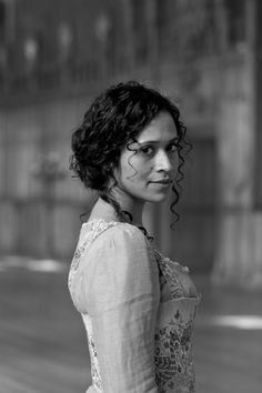 Angel Coulby ( actress )