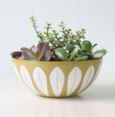 Vintage Cathrineholm Bowl Avocado Green Lotus Design by bellalulu, $98.00