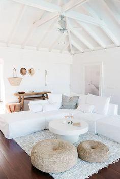 Beach House Furniture, Beach House Decor, Diy Home Decor, Modern Beach Decor, Room Decor, Modern Boho, Orlando, Beautiful Beach Houses, Monochromatic Room