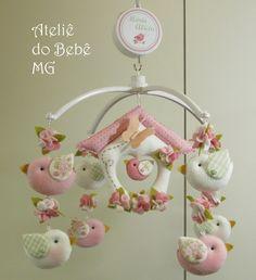 Ateliê do Bebê MG: Móbile Musical Pássaros ( Mª Alícia )