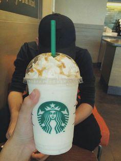 Angle photo with boyfriend secret Bebidas Do Starbucks, Starbucks Drinks, Starbucks Coffee, Tumblr Couples, Tumblr Food, Snap Food, Cute Boys Images, Starbucks Recipes, Food Crush