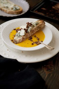 "#Creamy ""pumpkin"" soup #Kabocha squash #Crusty bread with toasted pecans and blue cheese"