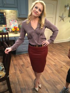 """S3 Ep27 """"I'll Cut You"""" - Mel Outfit"""