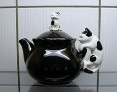 Vintage 80s TAKAHASHI Ceramic CAT & Kitten Individual TEAPOT  ~ black and white cats mini tea pot ~ Made in Japan