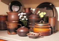 See our collection of Arabia Ruska stoneware made in Finland: dinnerware and parts for coffee and tea service. Rustic Ceramics, Tea Service, Vintage Dishes, Scandinavian Design, Finland, Dinnerware, Stoneware, Porcelain, Mid Century