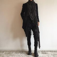 kodi likes clothes Gothic Fashion Men, Vampire Fashion, Dark Fashion, Fashion Goth, Modern Witch Fashion, High Fashion, Cyberpunk Mode, Cyberpunk Fashion, Aesthetic Fashion