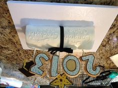 Grad cake with cookies