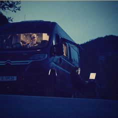 Last weekend: Camping at a beautiful spot in bavaria.  mail us to know where  Testing the van indoors and outdoors. #vanlife #roadtrip #homeiswhereyouparkit #campervan #travel #camping #sundown #nature #digitalnomad #wifieverywhere #workingandtraveling #instatravel #pictureoftheday