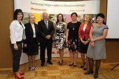 Pamiątkowe zdjęcie nagrodzonych wynalazczyń z Instytutu Biotechnologii Przemysłu Rolno-Spożywczego, Fundacji Kobiety Nauki - Polska Sieć Kobiet Nauki,  Fundacji JWP i Oficjalnego Przedstawiciela Wystawy na Polskę.