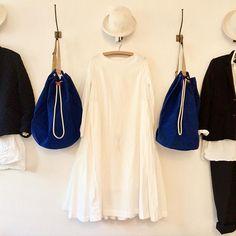 The egg sale continues... #whitedress #bluebag #justinohbag #caseycaseydress #deepboxdress #sale