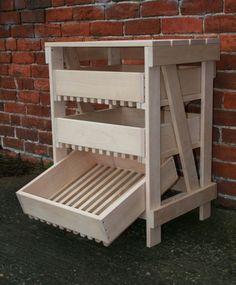Beech Vegetable Rack 3 Drawer Food Storage Shelves, Storage Drawers, Storage Spaces, Storage Ideas, Vegetable Rack, Vegetable Storage, How To Store Apples, Garden Equipment, Cool Store
