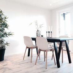Hviitblogg.no Styling neu 13 from hviit.no Nordic Living, Scandinavian Design, Dining Chairs, Interior, Furniture, Home Decor, Decoration Home, Indoor, Room Decor