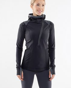 looks like the most perfect running top - functional, warm, and cute!