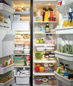 How to keep your refrigerator smelling fresh (without buying anything!).