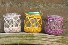 Summer lantern candles, such a good idea!  Crochet free Tutorial  ♡ Teresa Restegui http://www.pinterest.com/teretegui/ ♡