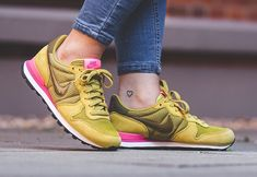 Peat Moss Drapes The Latest Nike Internationalist