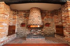 Inglenook Fireplace, Farmhouse Fireplace, Rustic Farmhouse, Fireplaces, Bread Oven, Hearth, Modern, Kitchen, Home Decor