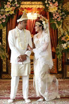 Pernikahan Adat Palembang Icha dan Aga - Photo 8-15-15, 1 09 05 PM
