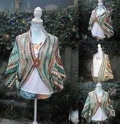 Awesome Design Ideas for Crocheted Ponchos And Cardigans – 1001 Crochet Crochet Shrug Pattern, Crochet Poncho, Crochet Patterns, Crochet Ideas, Crochet Vests, Crochet Designs, Black Crochet Dress, Waffle Stitch, Wraps