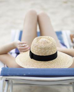 Straw sun hat.