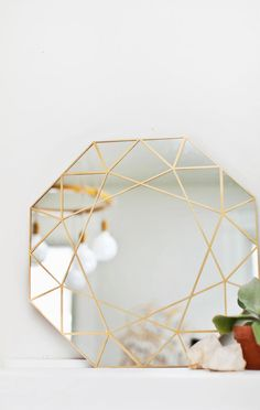 DIY Gem Mirror Tutorial + Easy Mirror Cutting Technique from A Beautiful Mess Diy Simple, Easy Diy, Diy Décoration, Diy Crafts, Boho Deco, Do It Yourself Inspiration, Design Inspiration, Painting Inspiration, Ideias Diy