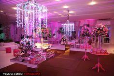 Decoração. 15 anos. Festa Rosa. Lustre lindo. Fácil. Festa linda. Party.#15anos #party #amandalivia15