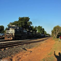 Then here is what I believe was NS 169 passing Belmont NC. @daily_crossing #daily_crossing @RAIL_BARON #RAIL_BARON @LIFEAFTERFILM #LIFEAFTERFILM #rsa_theyards #railfannation #railways_of_our_world #railfanclub #TRA #Train_Nerds #trb_express #train_chasers #trains_worldwide #trains_r_the_best #instalogistics #TRAIN_FANATICS_4LIFE #LOVES_TRANSPORTS #locos_of_america #locomotive #railfan #splendid_transport #railroads_of_america #pocket_rail #north_american_rail_pictures #NorfolkSouthern…