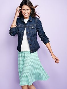 The easy skirt = easy to pair with all your summer tops. Shop our Zigzag Seamed Knit Skirt.