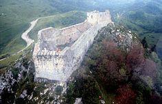 Chateau de Montségur, forteresse Cathare en Midi-Pyrénées