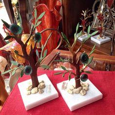 •Χειροποίητο δέντρο από μπρούτζο • #handmade #χειροποίητο Gift Wrapping, Gifts, Gift Wrapping Paper, Presents, Wrapping Gifts, Favors, Gift Packaging, Gift