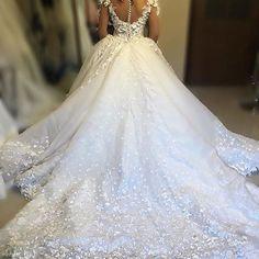 In AWE of this stunning Bridal piece by @michelinemokdassi ❤️ #dressesafterdark #bridetobe #bridezilla #weddingday #wedding #weddings #bride #bride2be #bridalblogger #allthingsbridal #gettingmarried #bridal #style #fashion #events #weddingplanner #love #veil #bridalmakeup #dubai #follow #wbyt #weddingsbyyourstruly #sydney  #weddingdress #dreamwedding4u