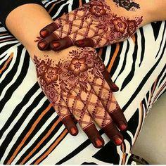 Modern Henna Designs, Back Hand Mehndi Designs, Latest Bridal Mehndi Designs, Mehndi Designs 2018, Mehndi Designs For Beginners, New Bridal Mehndi Designs, Mehndi Designs For Fingers, Mehandi Designs, Tattoo Designs