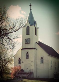 This church reminds me of the church in Helen, WV where my mom and dad were married in.
