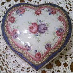 Lefton Trinket box Music box Lefton heart music by Passion4Retro