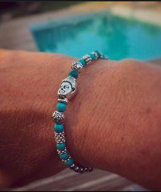 Joli bracelet élastique fin pour femme, véritables pierres semi-précieuses sélectionnées avec soin, qualité supérieure.   Vertus et propriétés de la pierre hématite en  - 20282871