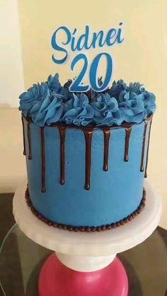 Buttercream Cake Designs, Buttercream Birthday Cake, Blue Birthday Cakes, Birthday Cake For Him, Bolo Mickey Baby, Blue Drip Cake, Simple Cake Designs, Pastel Cakes, Easy Cake Decorating